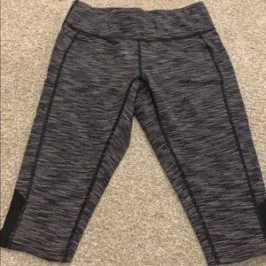 Lucy black and white cropped legging